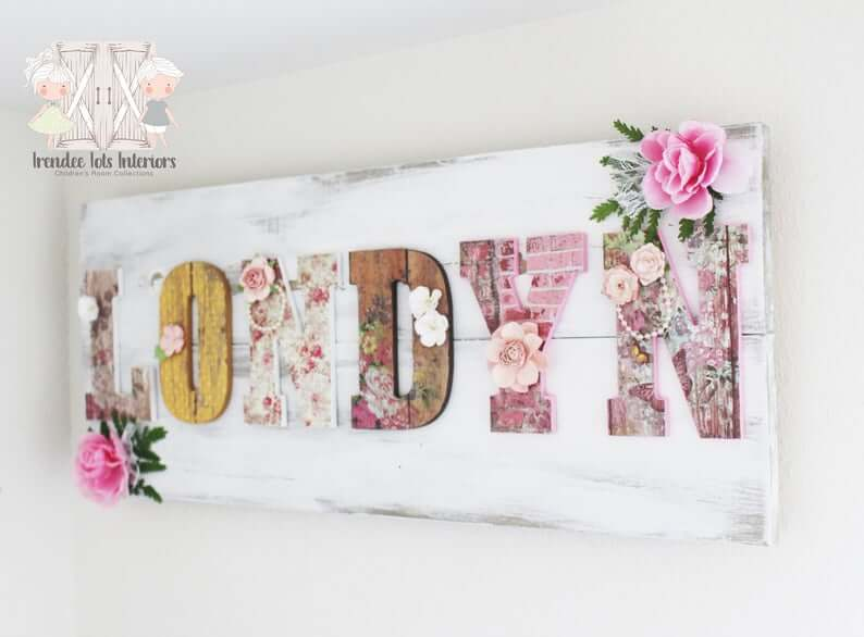Distressed Shiplap Feminine Name Sign