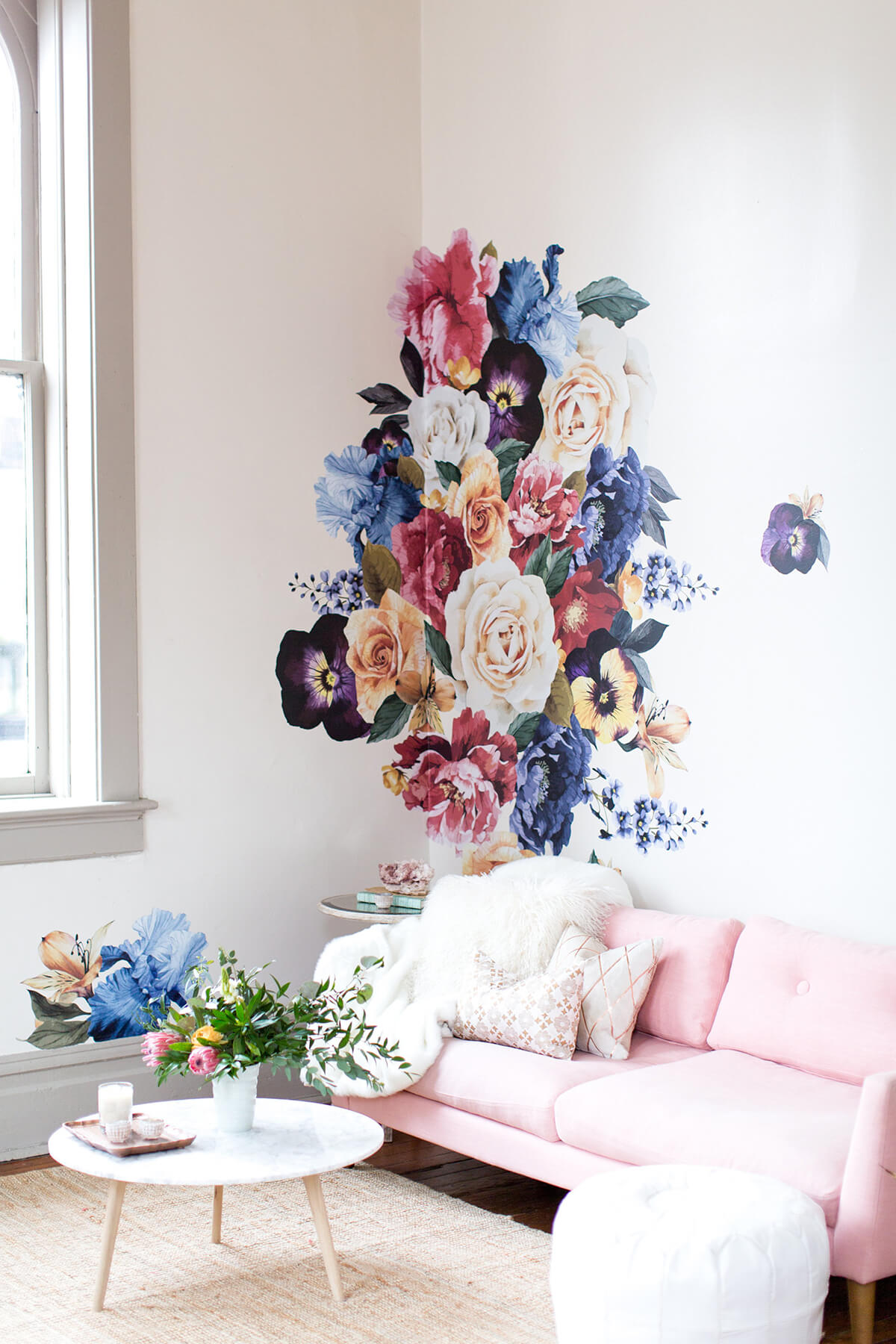 Classic Floral Bouquet Flowered Wall Mural