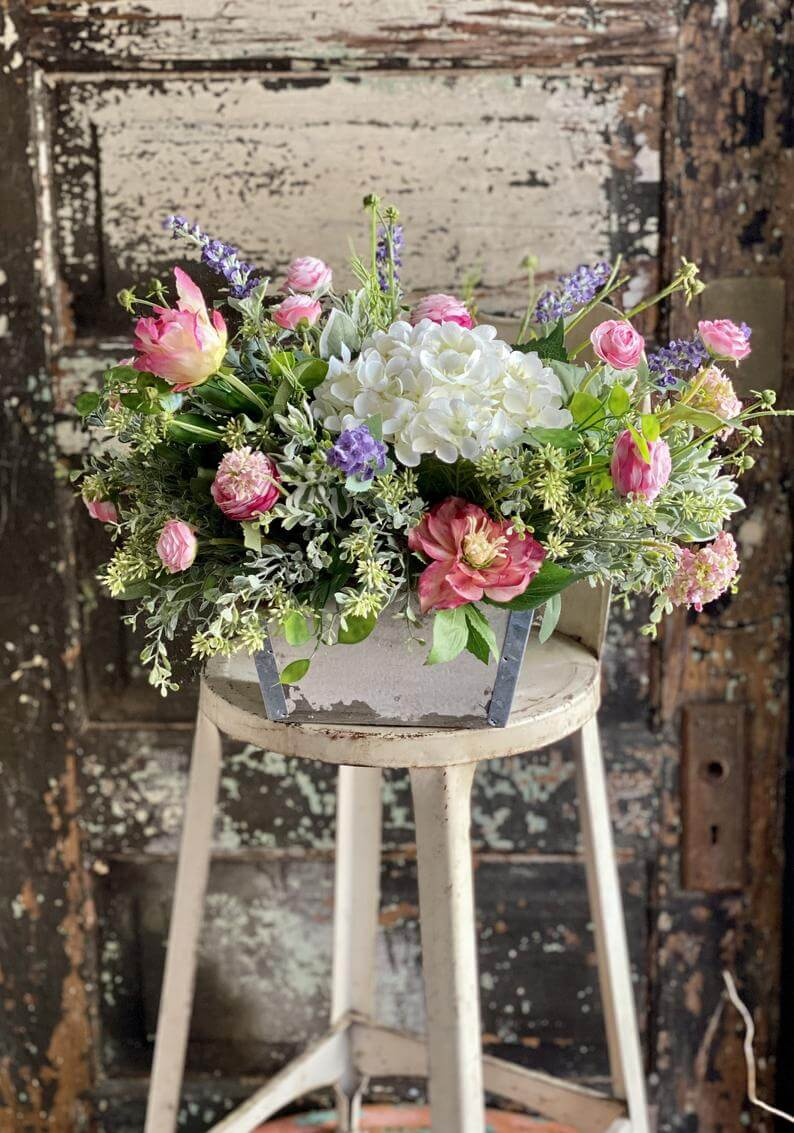 Short and Squared Large Bouquet Centerpiece