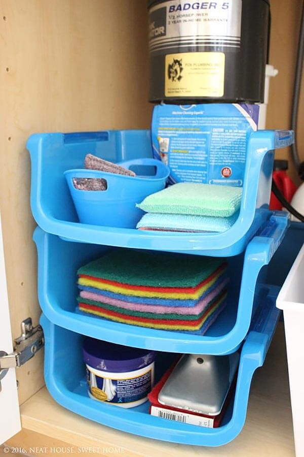 A Creatively Perfect Way To Organize The Cleaning Supplies