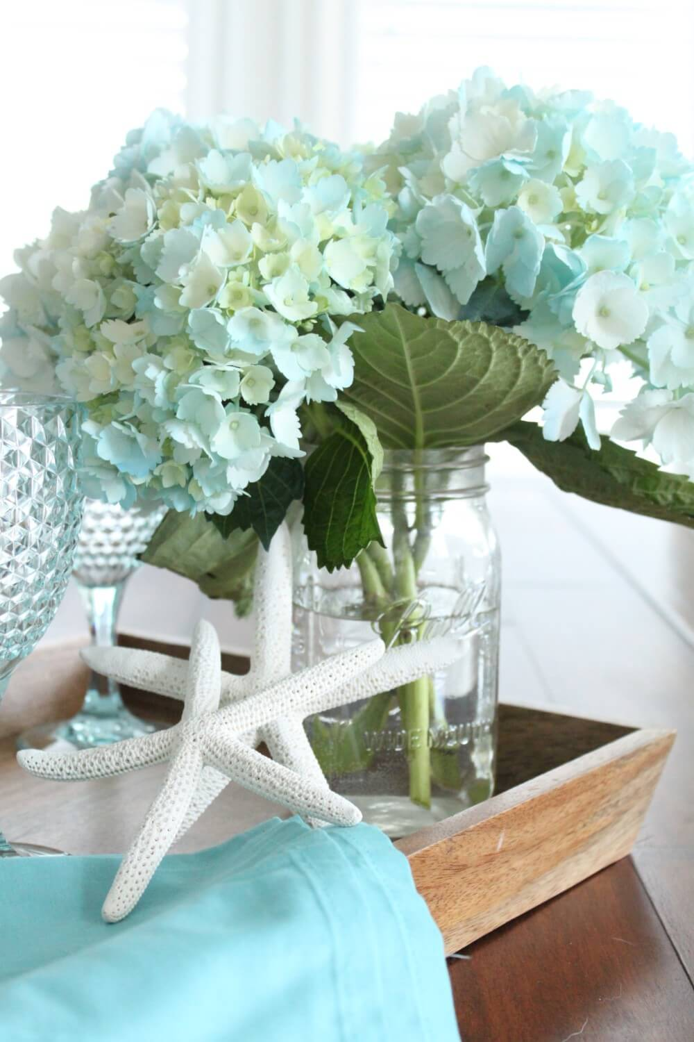 Light Blue Hydrangea Mason Jar and Linen Tray Display