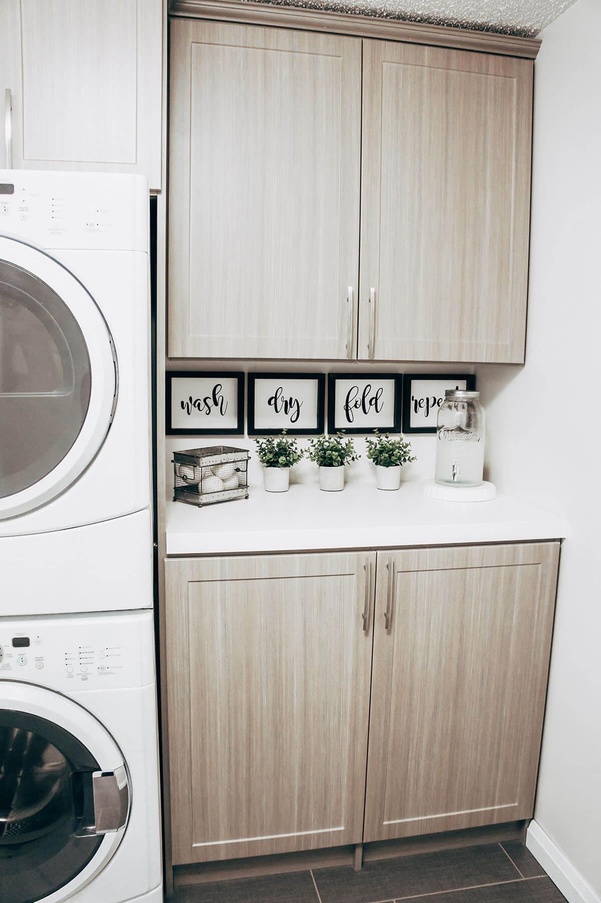 DIY Laundry Room Sign Decor