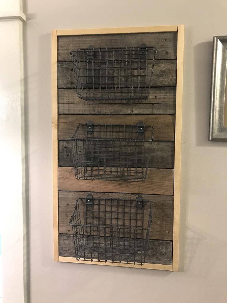 Hanging Pallet Wood and Wire Basket Organizer