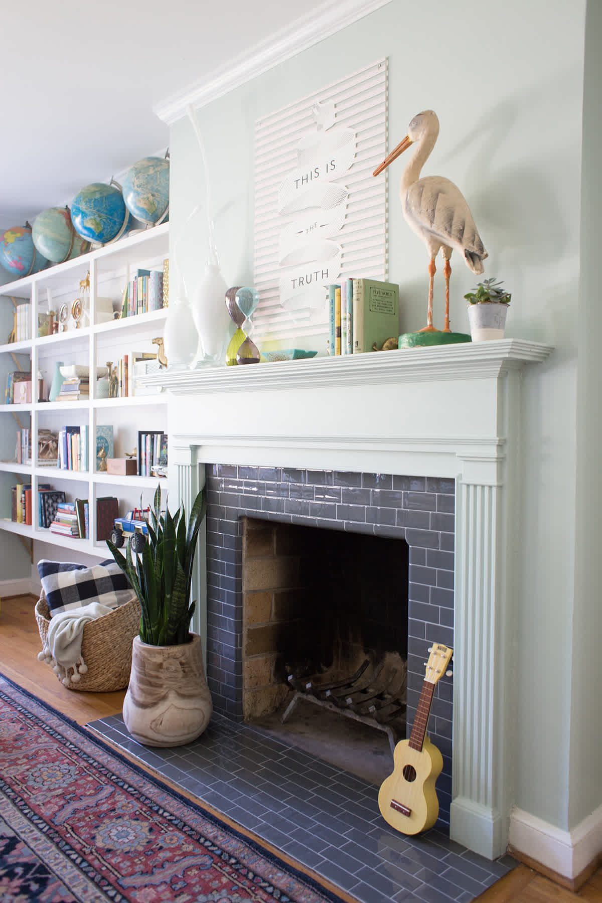 Traditional White Fireplace Hearth with Crown Molding