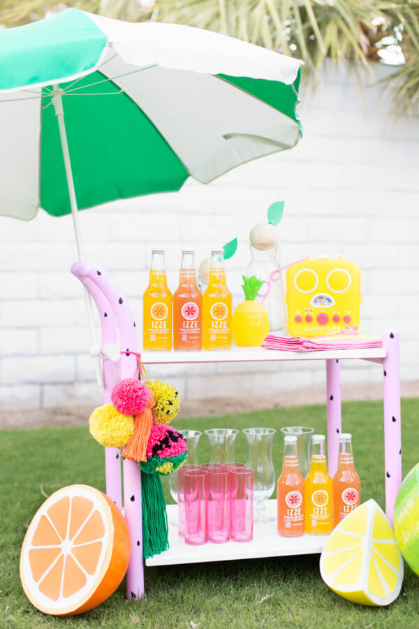 Super Cute and Tart Summertime Lemonade Cart
