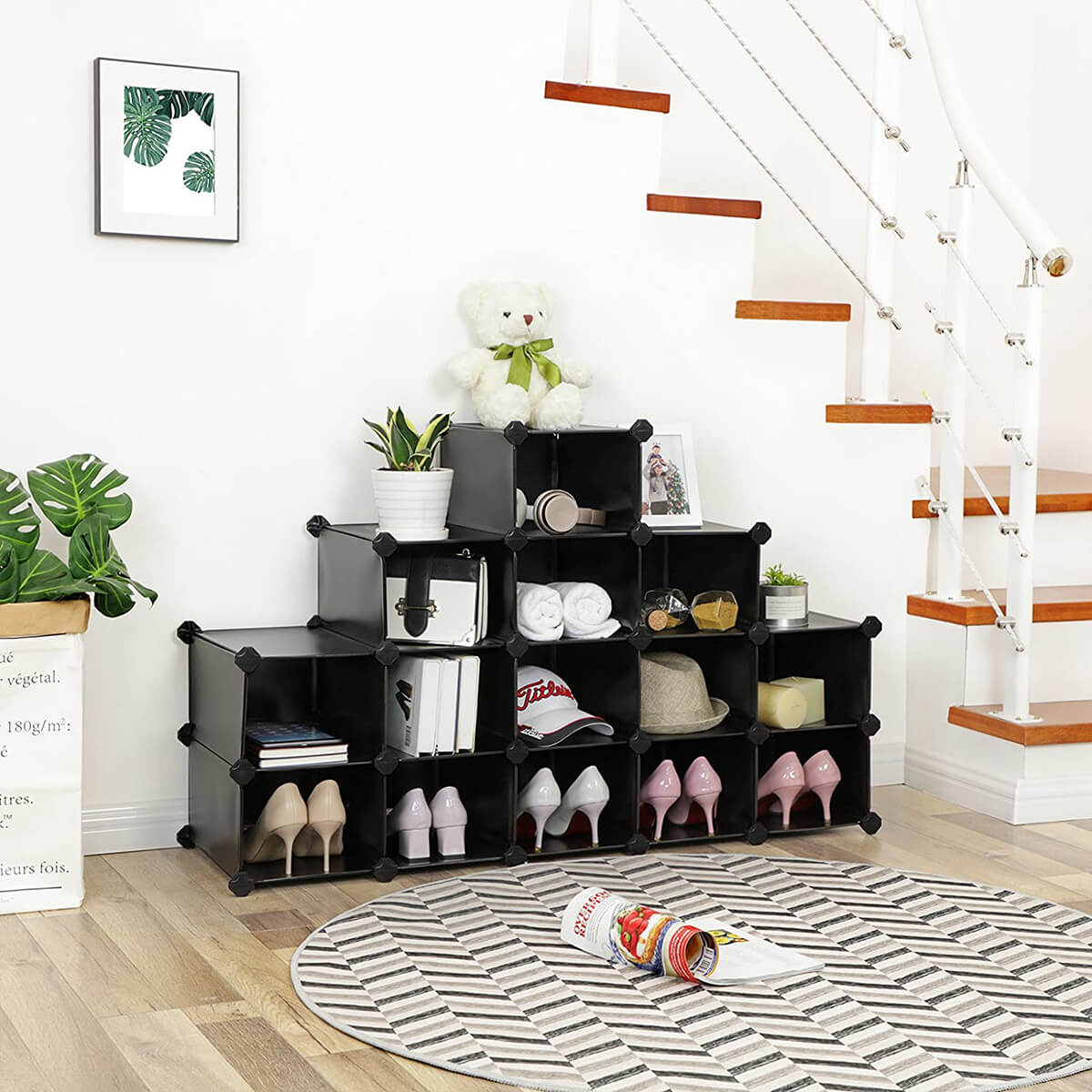 Modular Black and White Shoe Cube System