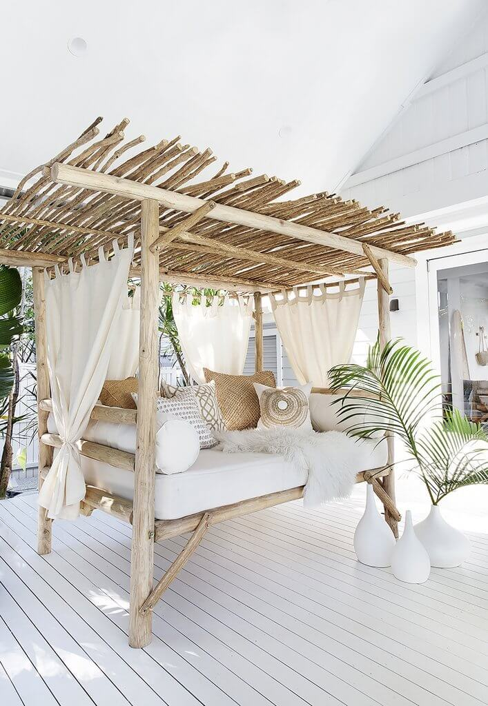 Comfortable Deck Seating for Your Leisure