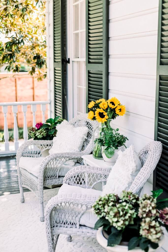 Relaxing Porch Sitting Area Enables Tranquility