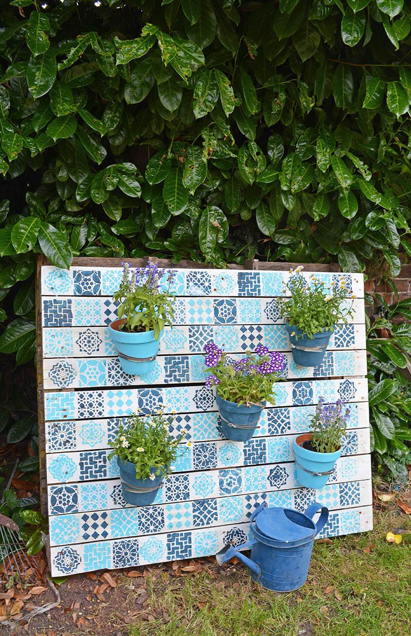 DIY Stenciled Moroccan-Style Pallet Garden