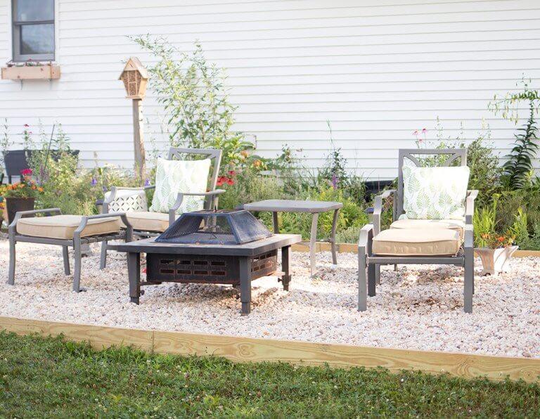 Pleasant Backyard Sitting Idea Invites Serenity