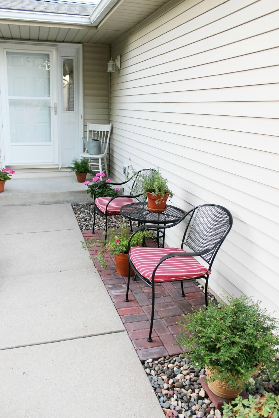 Delightful Outdoor Seating Invites Conversation