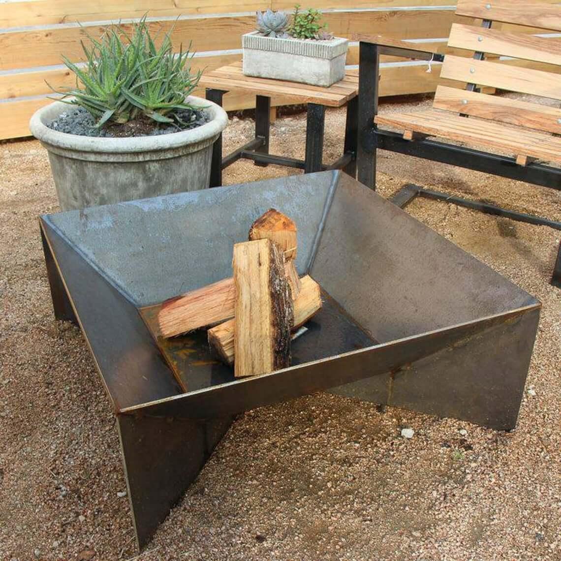 Rustic Steel Fin Fire Pit