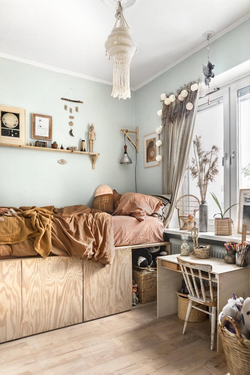Charming and Stylish Macramé Hanging Lamp