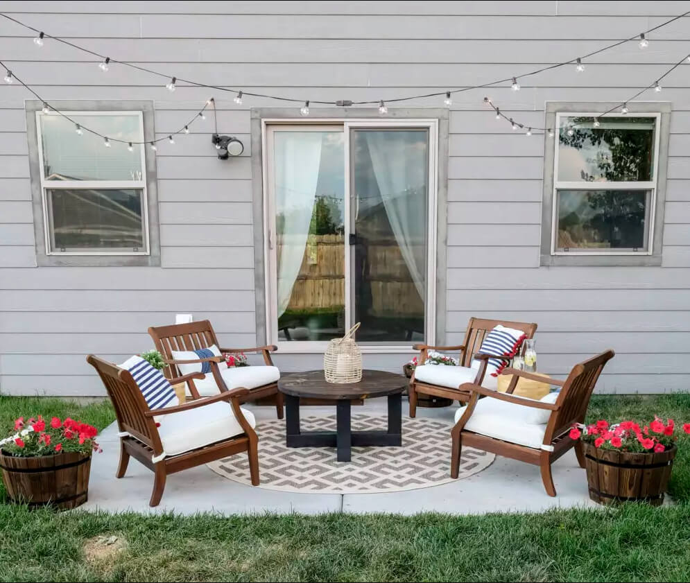 Simple Budget-Friendly Cozy Patio Garden