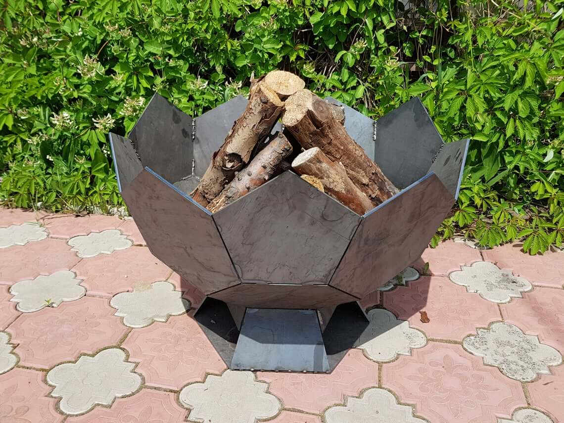Awesome Half Sphere Goblet Fire Pit