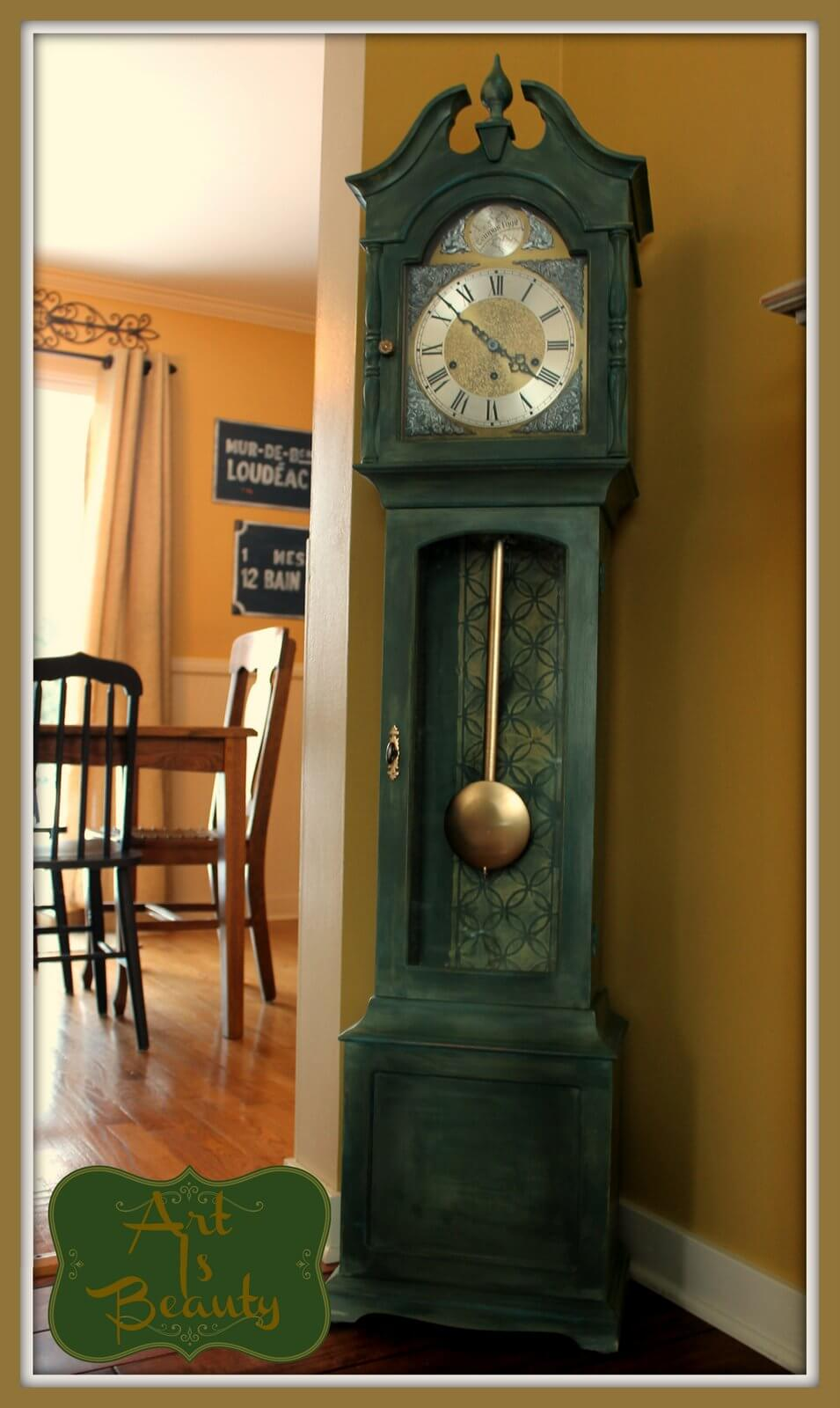 Stunning Grandfather Clock Adds Vintage Appeal