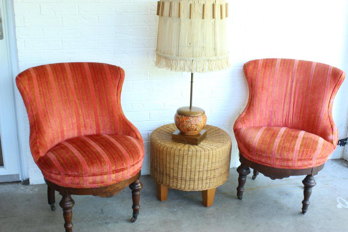 Mid-Century Modern Chairs Offer Extra Seating
