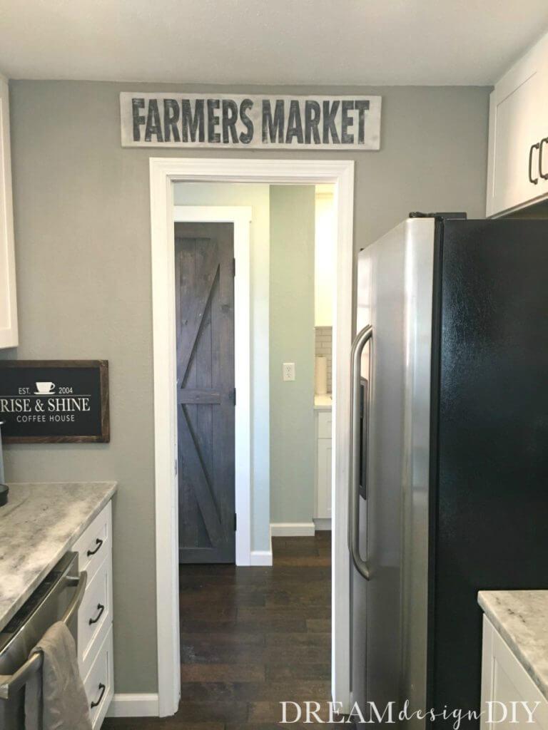 DIY Modern Farmhouse Farmer's Market Sign