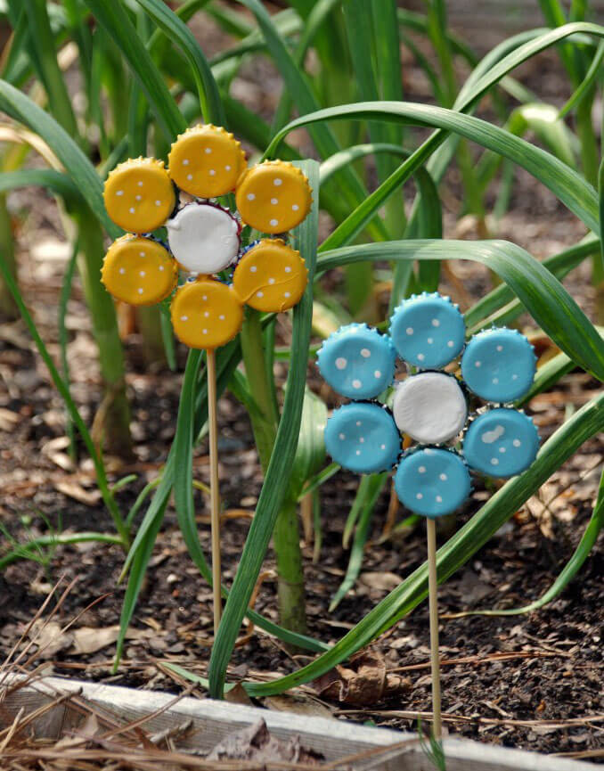 Crafter's Delight Bottle Cap Flower Garden Art