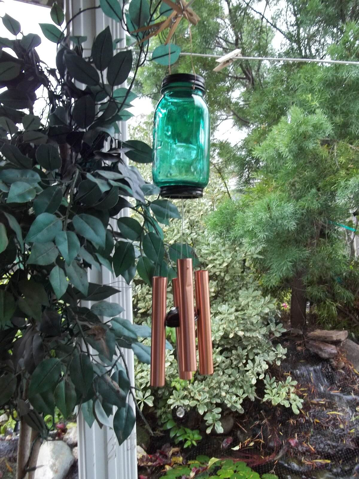 Mason Jar Wind Chimes for a Garden Paradise