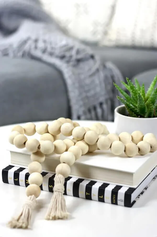 Quaint and Smooth Wooden Spheres Tassel Garland