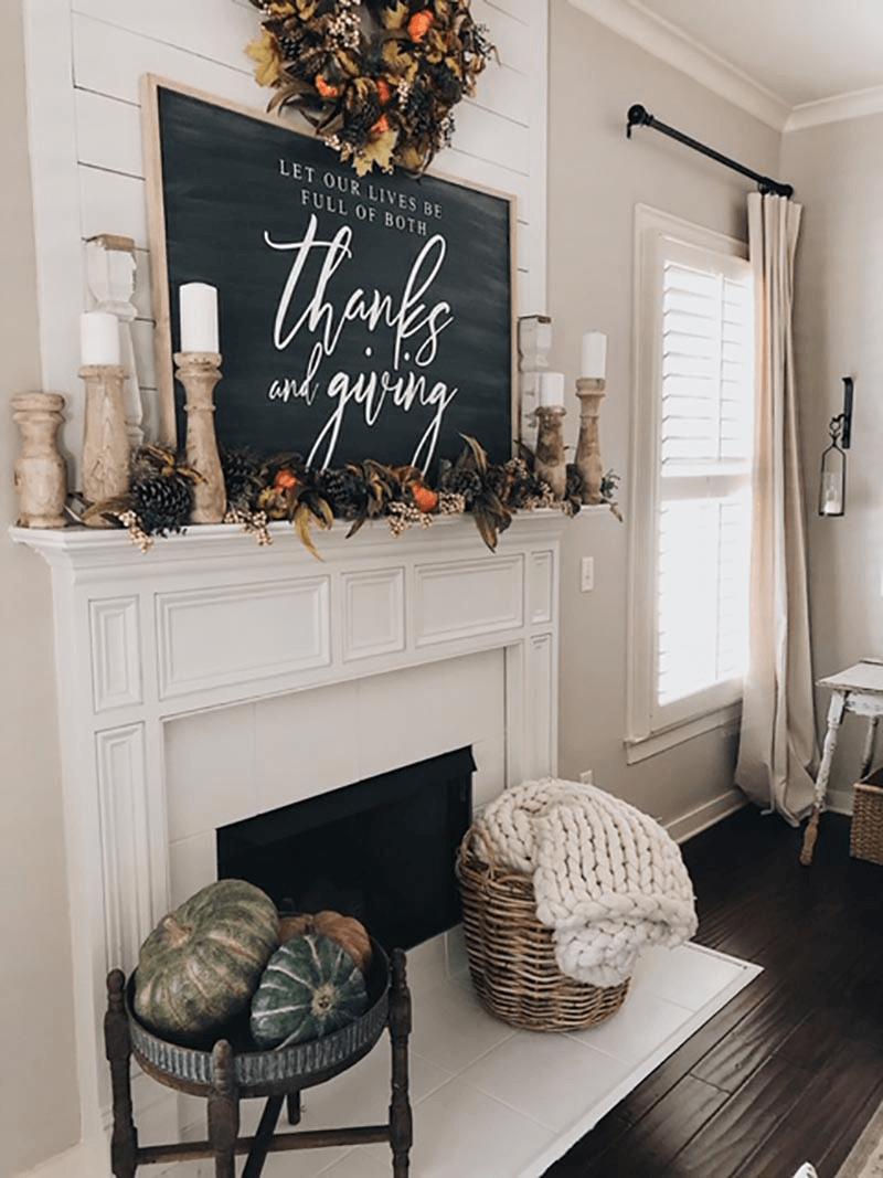 Traditional Farmhouse Warm Thanksgiving Decor