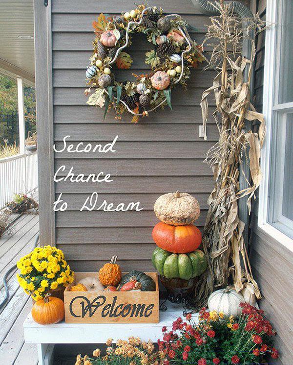 Leafy Pinecone, Pumpkin, and Gourd Autumn Wreath