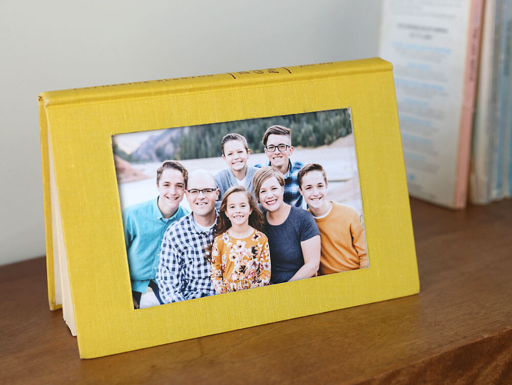 Easy DIY Picture Frame Book