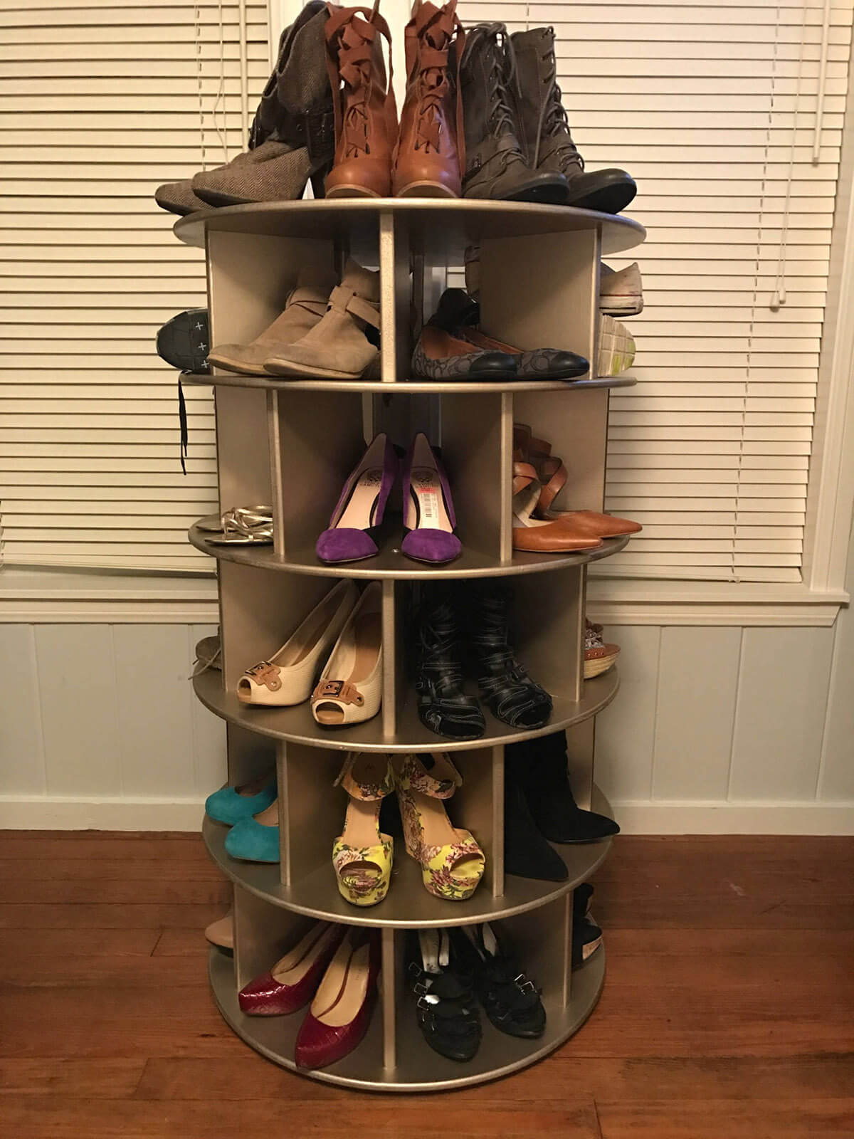 Highly Functional Round Spinning Shoe Rack