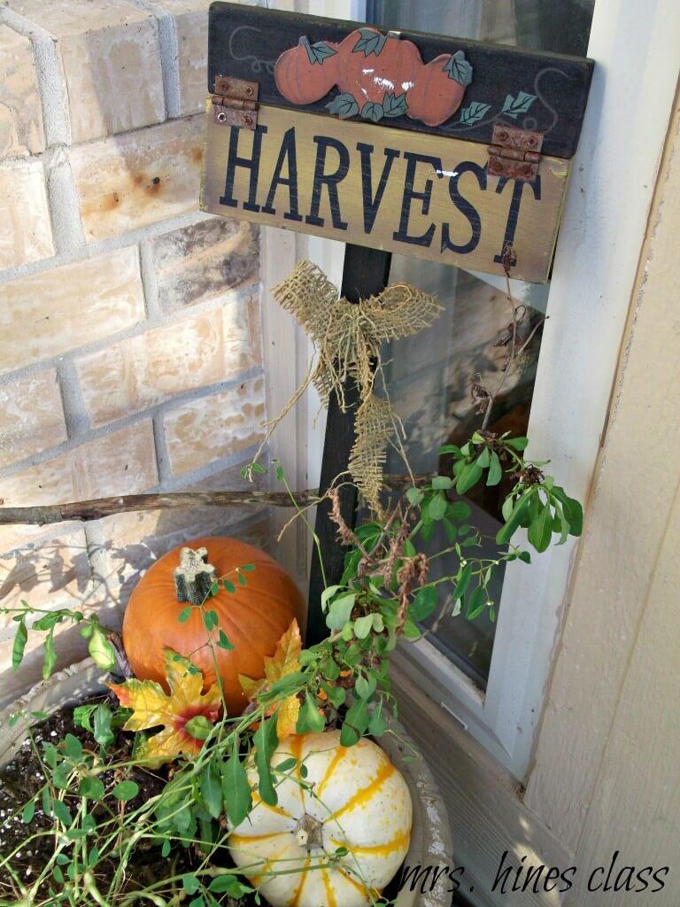 Pumpkin Harvest Sign with Burlap Bow