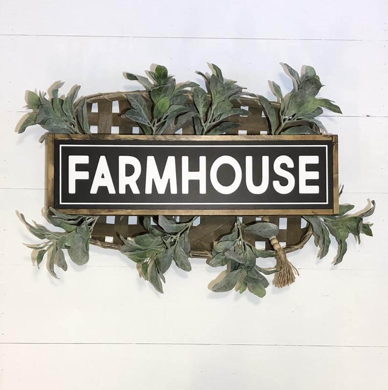 Customized Wooden Farmhouse Sign Décor