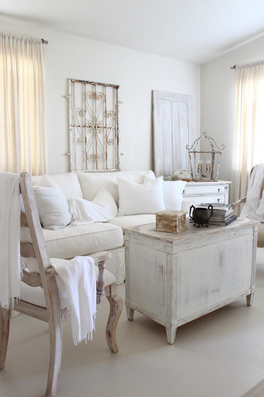 Farmhouse-Inspired Shabby Chic Rustic Décor