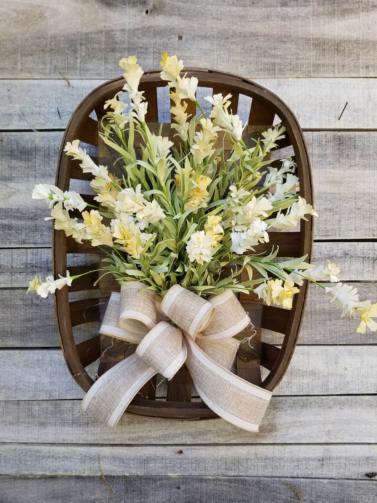 Charming Mounted Bouquet Basket