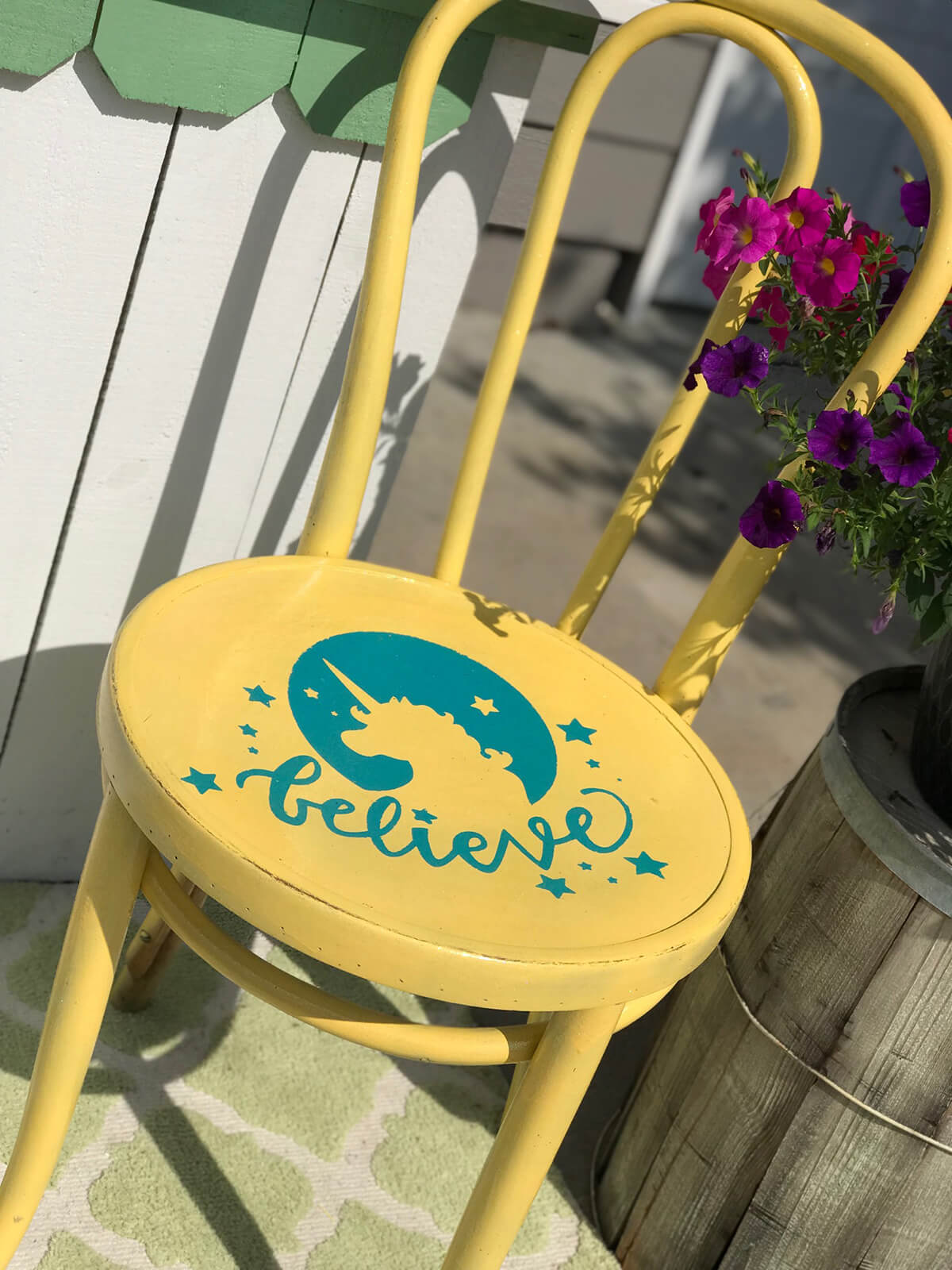 Quick Stenciled Painted Chair Decoration