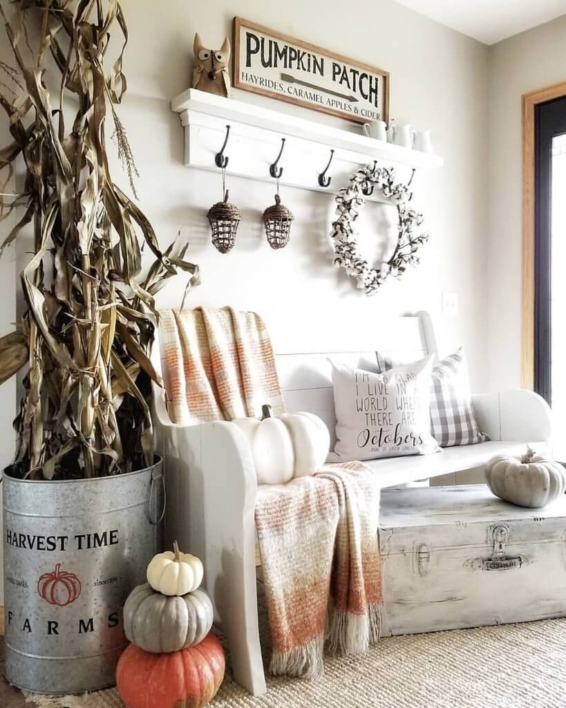 60 Best Farmhouse Fall Decorating Ideas And Designs For 2021