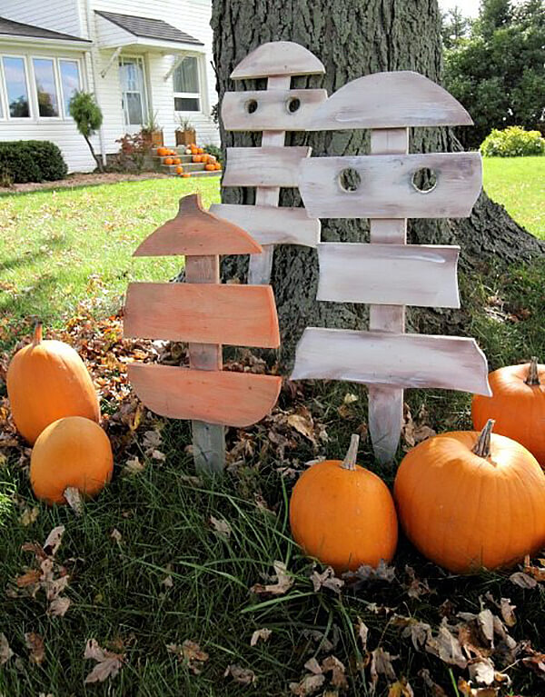 Painted Wooden Stake Pumpkin Patch Ghosts