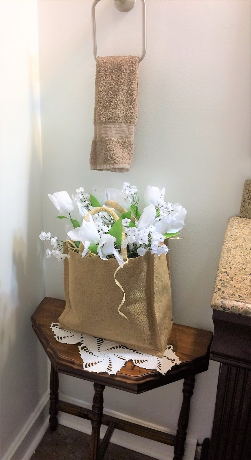 Simple Faux Flower Vase and Stand