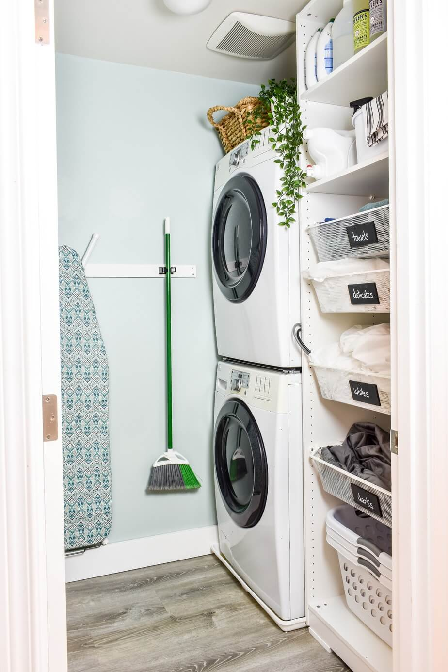 Optimal and Vertical Laundry Organization