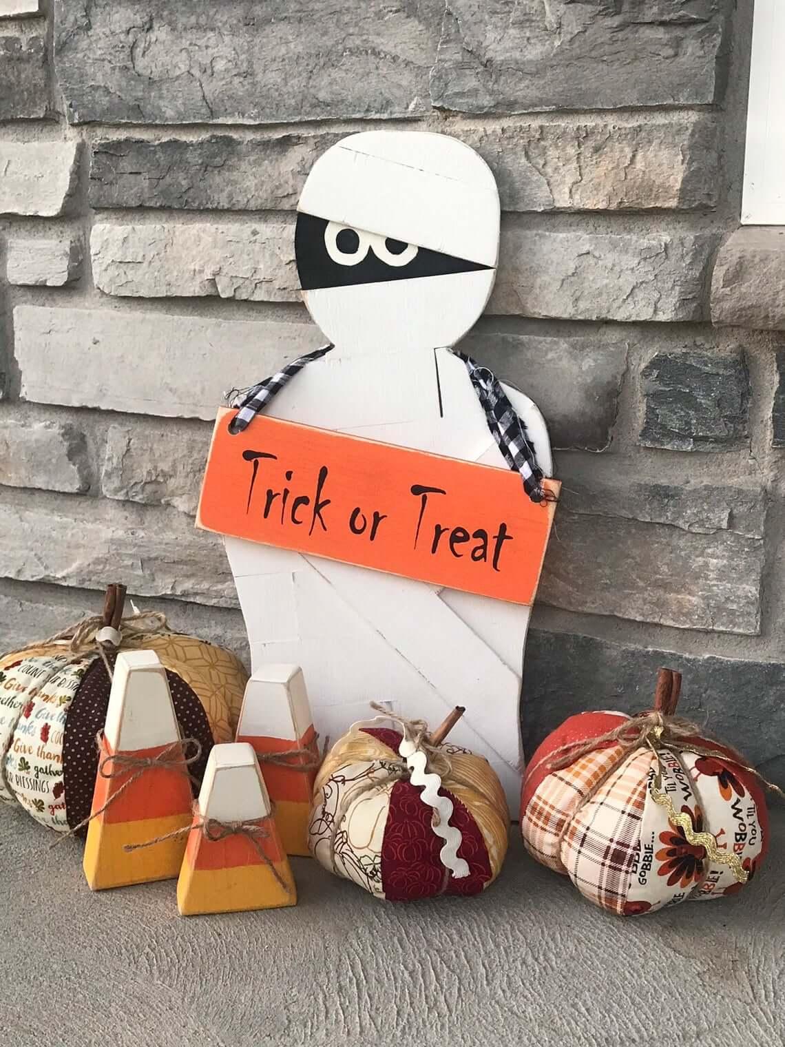 The Mummy Returns Bearing Halloween Gifts