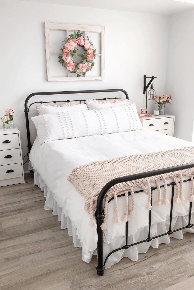 Cozy Cottage White Master Bedroom Decor