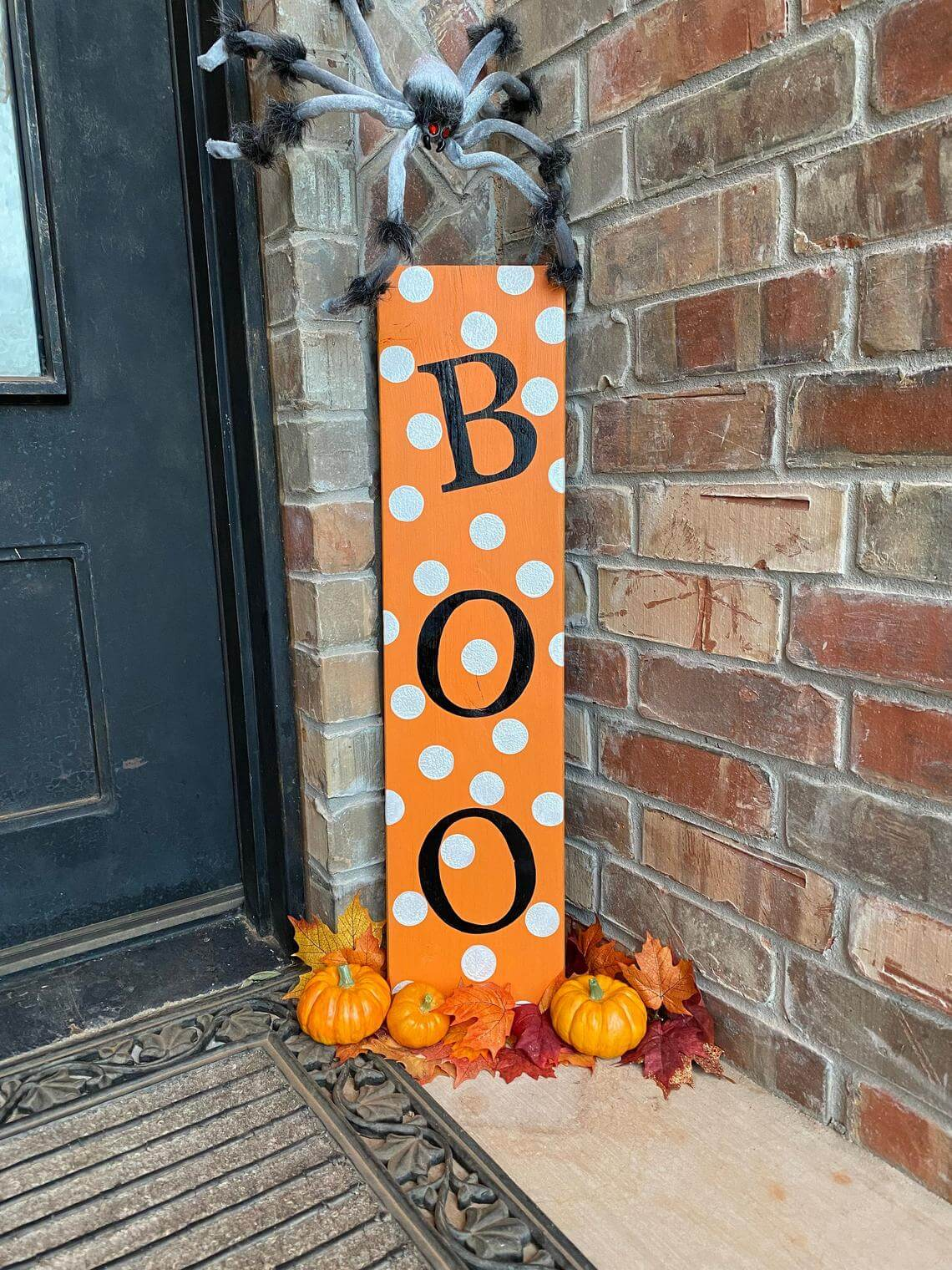 Waist Height Lettered Halloween Sign