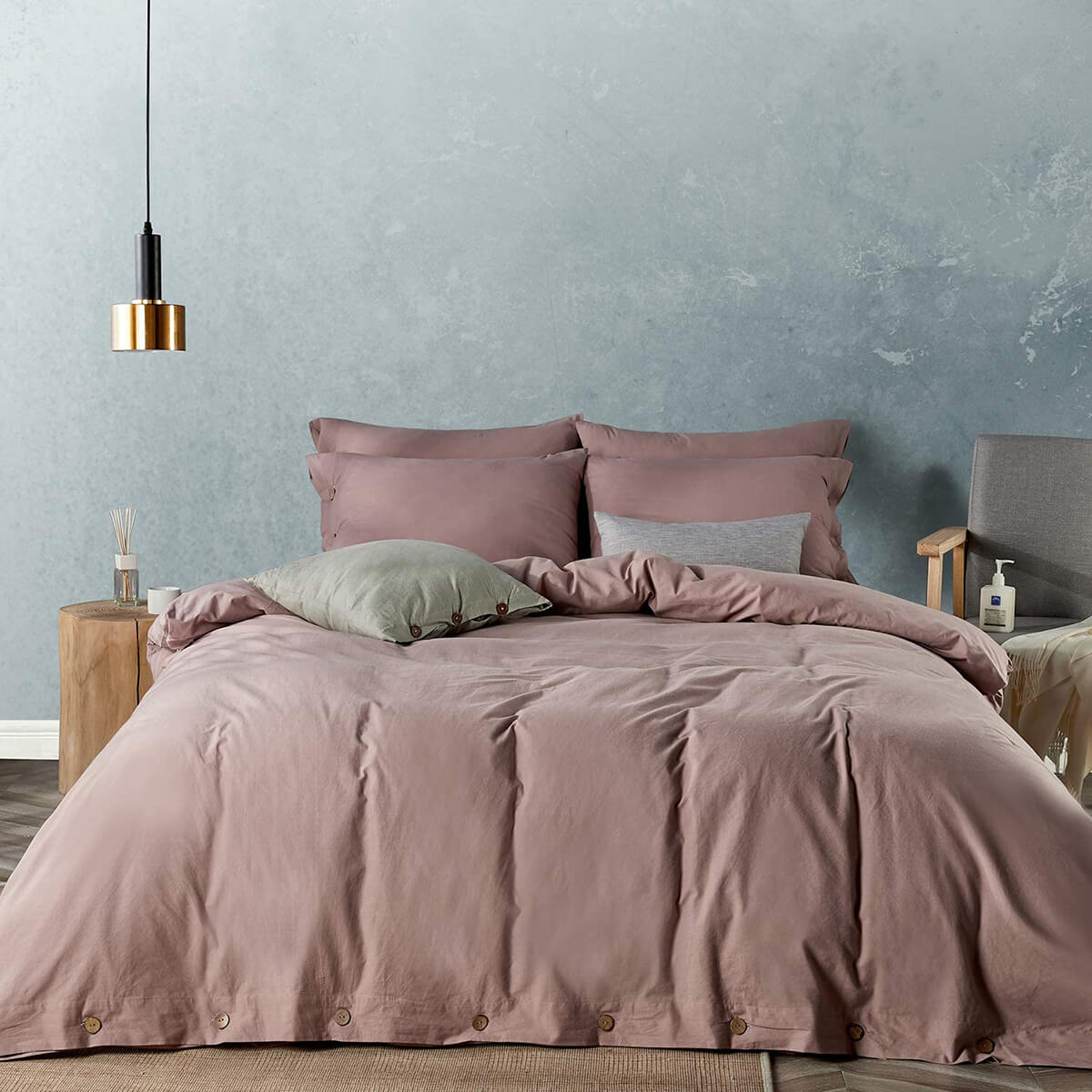 Dusty Rose Earth Tone Bedroom Design