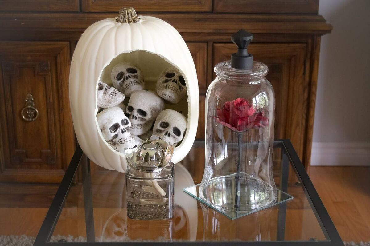 Creepy Cloche Halloween Table Display