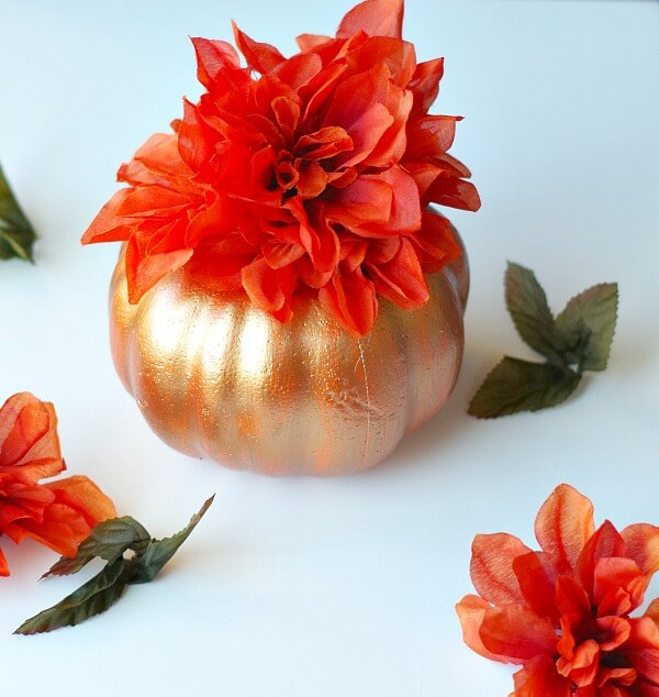 Small Golden Pumpkin and Flower Design