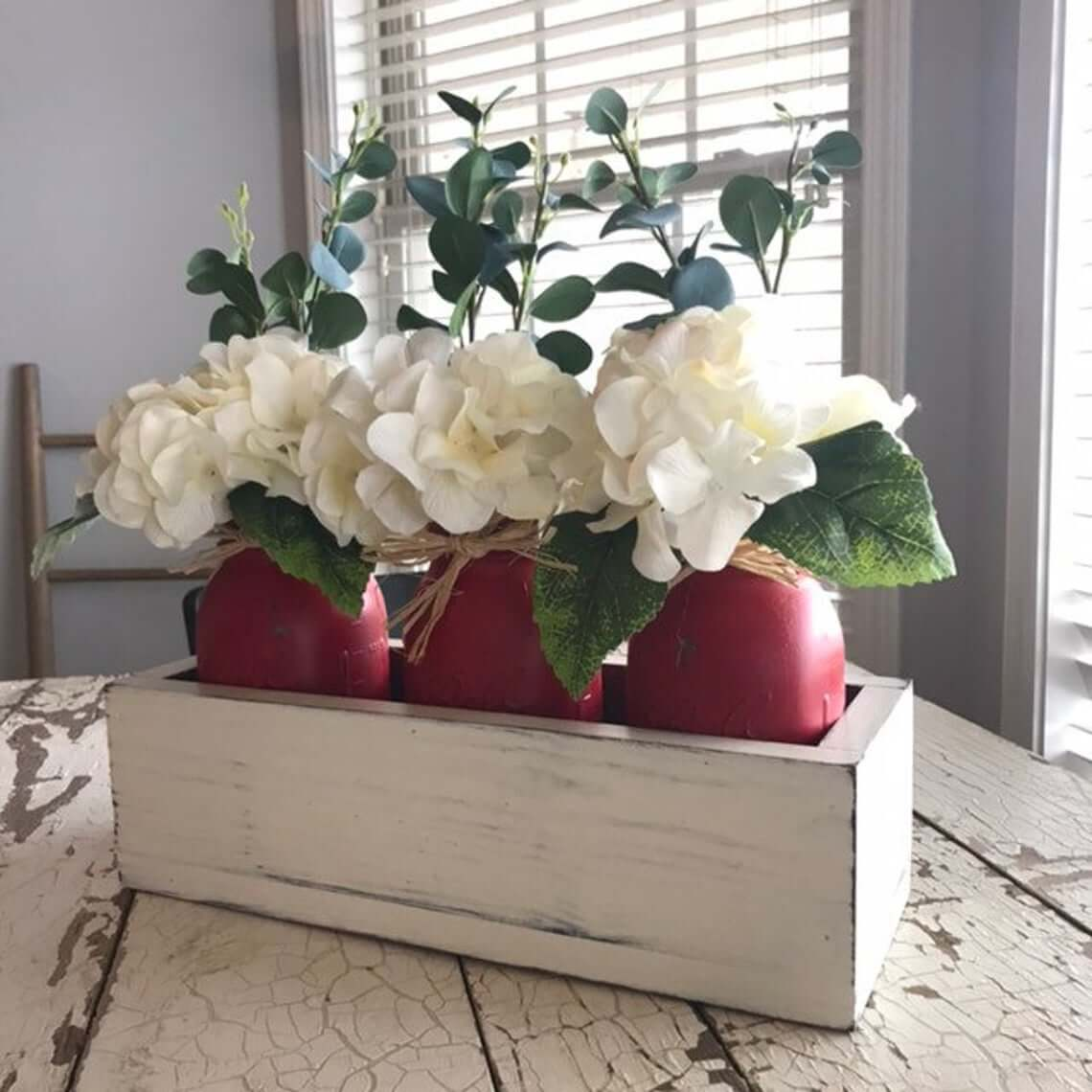 White and Wonderful Straight Lines Centerpiece Box