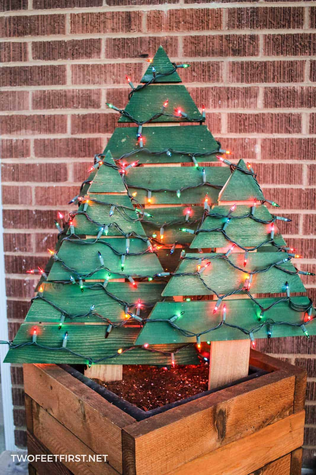 Simple and Sweet Wooden Tree with Lights