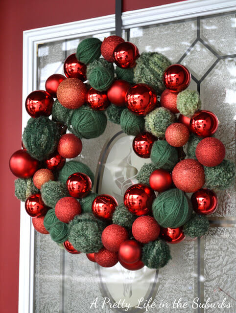 Contemporary Green and Red Decorative Ornaments