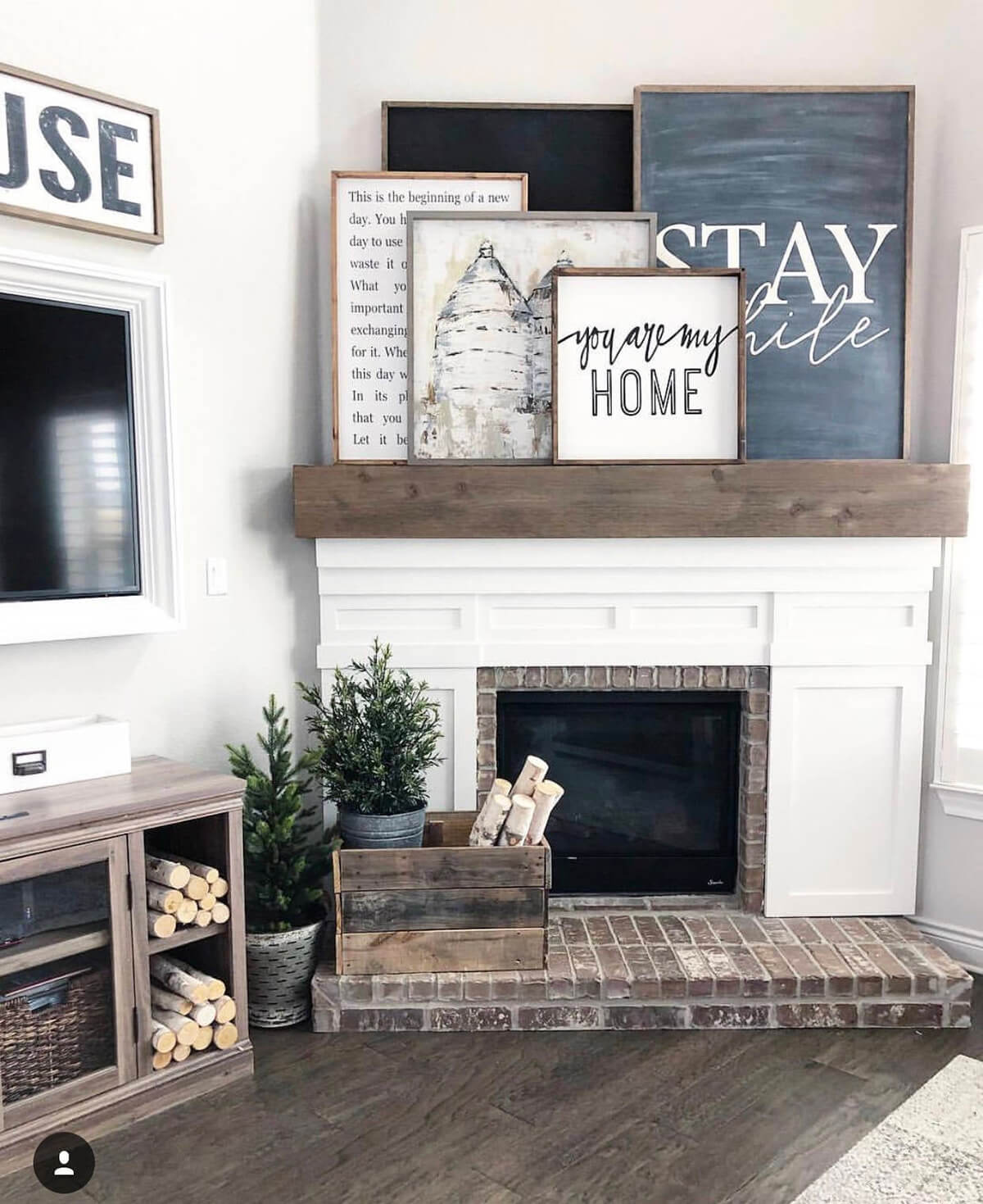 Hand Painted Wooden Sign for Mantel Decoration