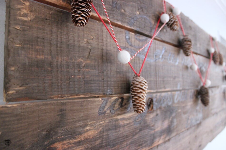 Simple Frosted Tip Pinecone Christmas Garland