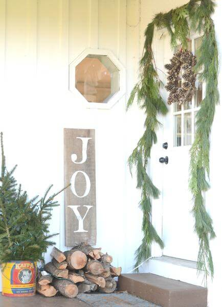 Rustic Joyful Holiday Small Porch Décor